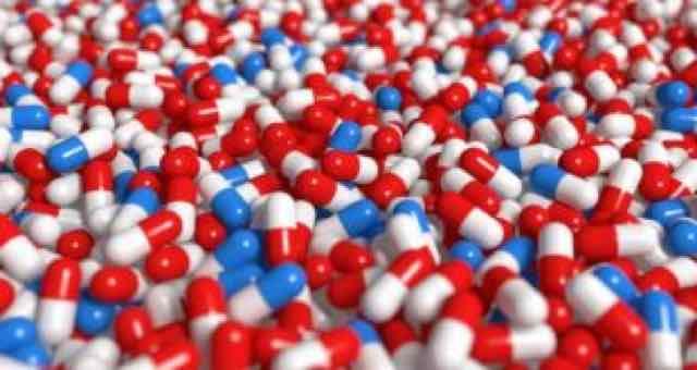 medicamentos variados, incluindo dabigatrana e sinvastatina