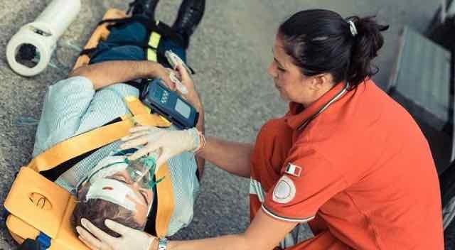 time de resgate nos primeiros socorros