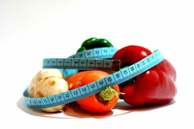 fita metrica em volta de legumes
