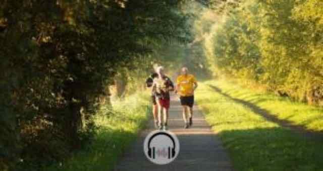 idosos correndo