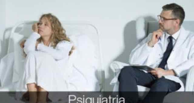 mulher sendo atendida por psiquiatra
