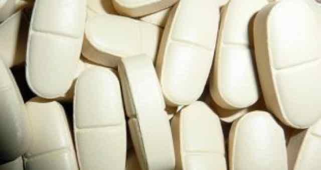 remedio de cor branca