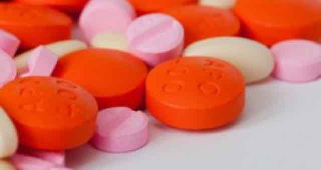 antibioticos de várias cores