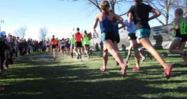 corredores correndo na maratona