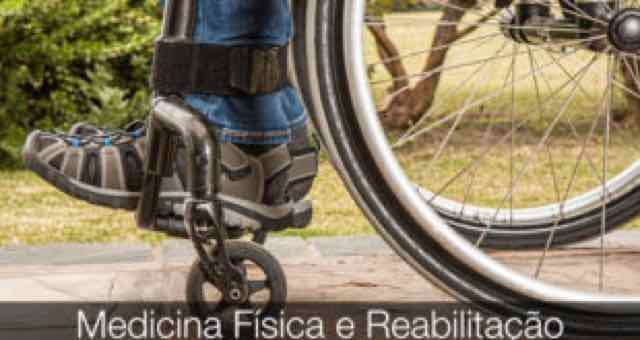 homem na cadeira de rodas