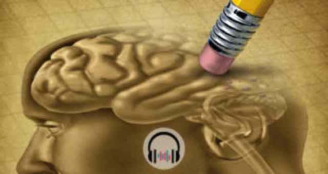 lapis apagando parte do desenho de um cerebro humano