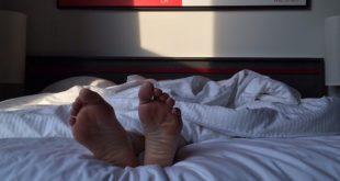 pernas dormindo