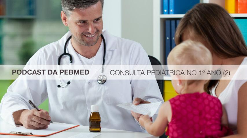 pediatra em consulta