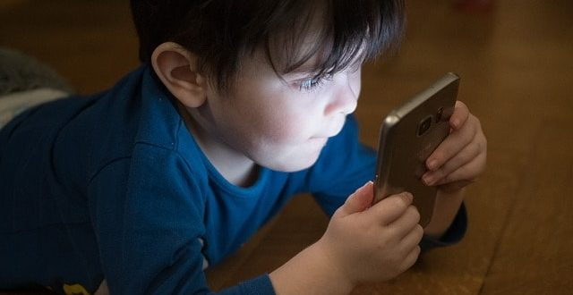 celular infancia