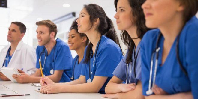 Estudos apontam disparidade salarial entre homens e mulheres na Medicina