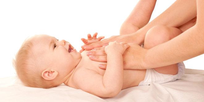 Dia das Mães - massagem aumenta interação entre mãe e bebê