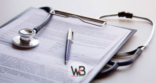 prontuário sobre AVC isquêmico e estetoscópio