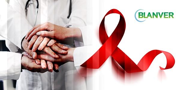 médicos dando as mãos ao lado do símbolo de prevenção do HIV
