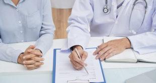médico atendendo paciente de país do mercosul