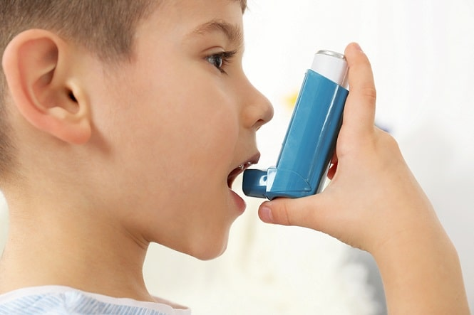 menino com asma com possibilidade de doença pneumocócica invasiva