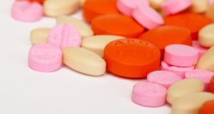 cápsulas de vários medicamentos, incluindo antibióticos macrolídeos