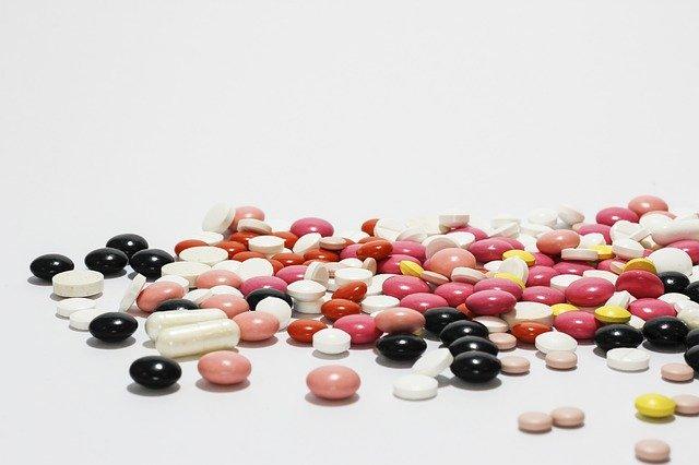 medicamentos variados para tratamento da Covid-19