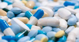 cápsulas de medicamentos variados autorizados pela lei durante a covid-19