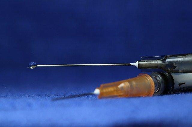 Várias vacinas estão sendo desenvolvidas na busca pela imunização contra a Covid-19