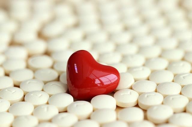 Nova molécula chamada inclisiran promete reduzir o colesterol LDL com 2 doses ao ano