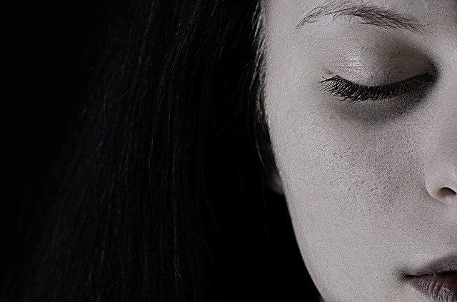 Pessoa diagnósticada com depressão unipolar resistente