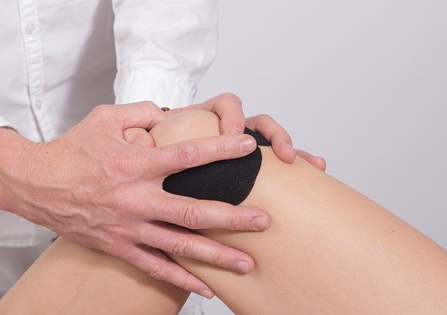 Pacientes com Condromalácia é avaliado por ortopedista