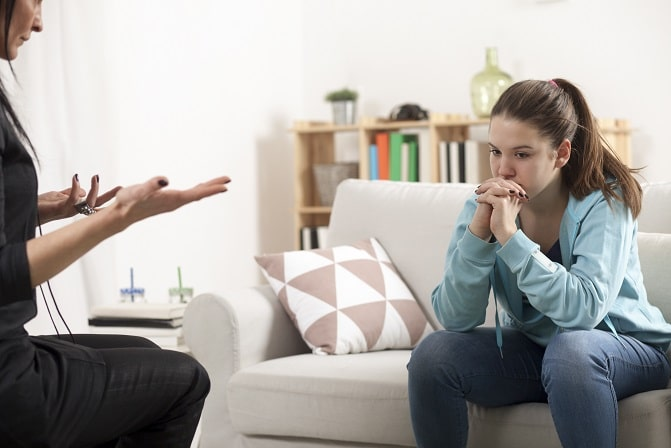 adolescente em terapia devido a transtorno depressivo