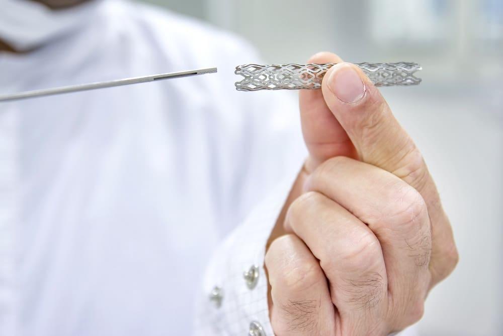 Resultados de estudo sobre o longo prazo de stents colonônicos por obstrução neoplásica.