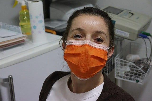 Boletim do Ministério da Saúde traz número de profissionais de saúde brasileiros infectados por Covid-19
