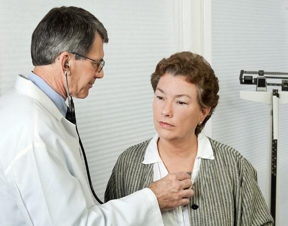Paciente em consulta devido problemas com AINE