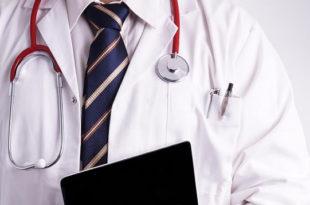 Anel retirado de paciente com edema de extremidades