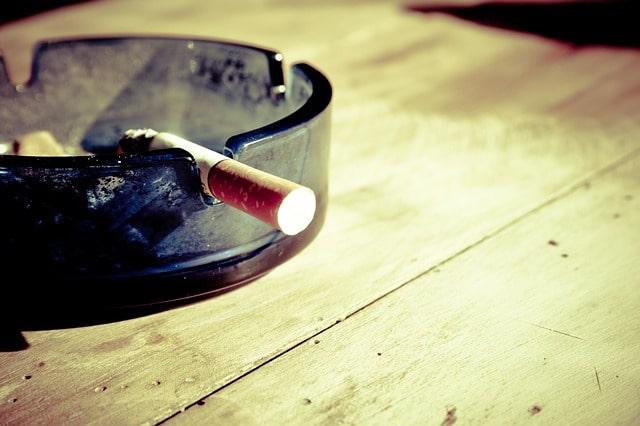 Associação entre tabagismo e doença fúngica invasiva
