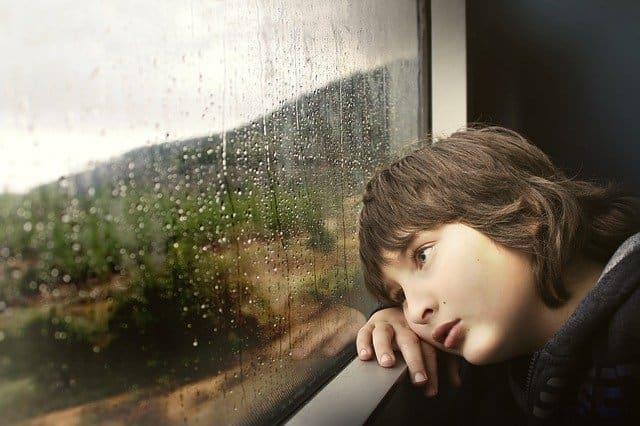 Casos de tentativa de suicídio entre crianças e jovens adultos aumenta nos Estados Unidos