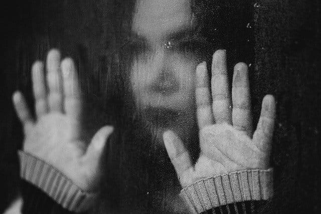 Cursos à distância de Prevenção da Automutilação e de Prevenção ao Suicídio