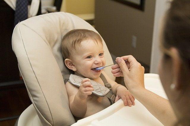 Método de introdução alimentar, conhecido em inglês como, baby-led weaning (BLW) têm ganhado popularidade.