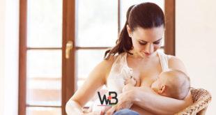 mulher com depressão pós-parto amamentando bebê