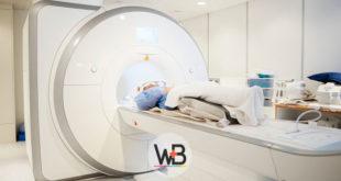 paciente com suspeita de acromegalia fazendo ressonância magnética