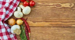 mesa com alimentos de dieta com restrição