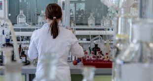 Pesquisadora em estudo de destaque da ACR 2020 sobre doenças osteometabólicas e artrites microcristalinas