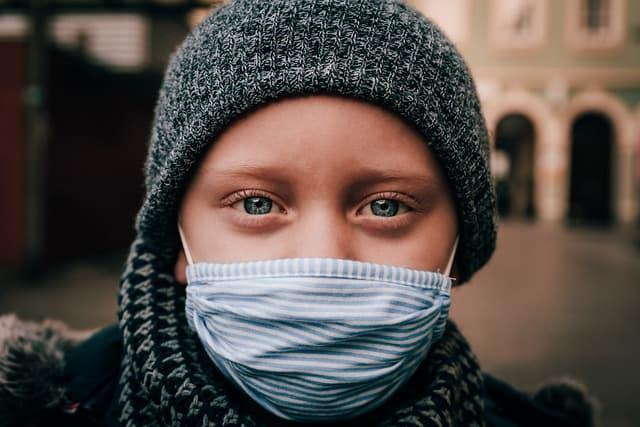 Mais de 1 milhão de crianças nos EUA já testaram positivo para Covid-19 desde o início da pandemia