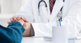 Paciente com púrpura trombocitopênica idiopática sendo atendido