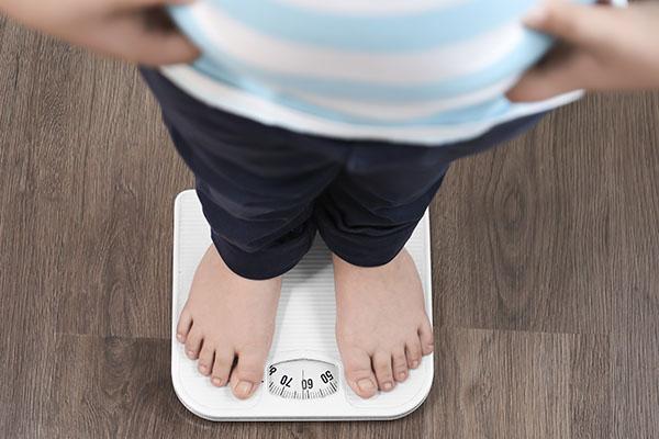 Um estudo publicado recentemente no jornal Pediatrics analisa se cirurgia bariátrica em adolescentes é benéfica para casos de obesidade grave.