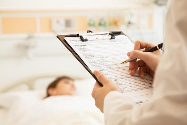 paciente internado com covid-19 usando tocilizumabe