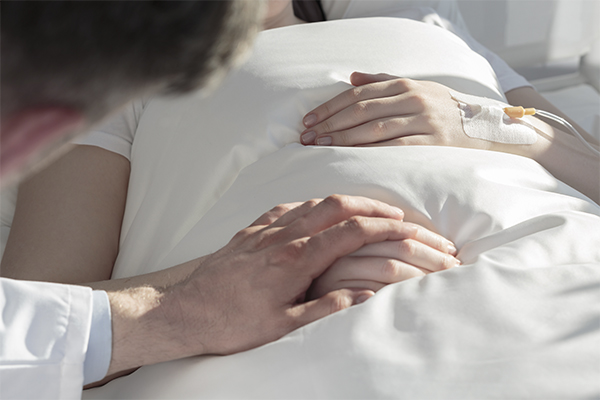 Artigo publicado na American Journal of Emergency Medicine aborda o delirium associado a aumento do tempo de hospitalização.